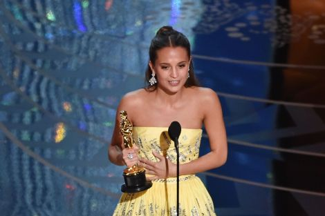 Film News - Oscars 2016 - Alicia Vikander Wins Best Supporting Actress