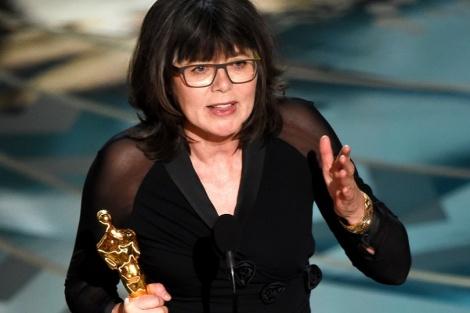 Film News - Oscars 2016 - Margaret Sixel winning Oscar for Best Film Editing on Mad Max Fury Road