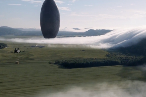 film-review-of-denis-villeneuves-arrival-starring-amy-adams-jeremy-renner-and-forest-whitaker