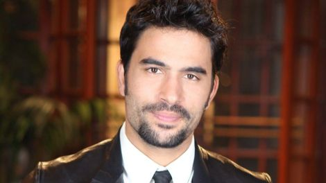 tv-news-lost-in-space-ignacio-serricchio-joins-cast-for-netflix-series