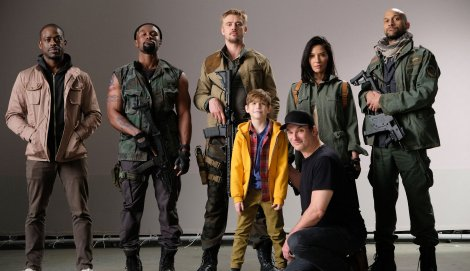 Film News - The Predator - First Cast Photo For Shane Black's Reboot