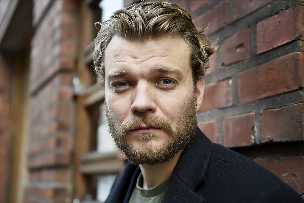 Deadline is exclusively reporting that Pilou Asbæk is in negotiations with Warner Bros. to star in the Aquaman sequel.