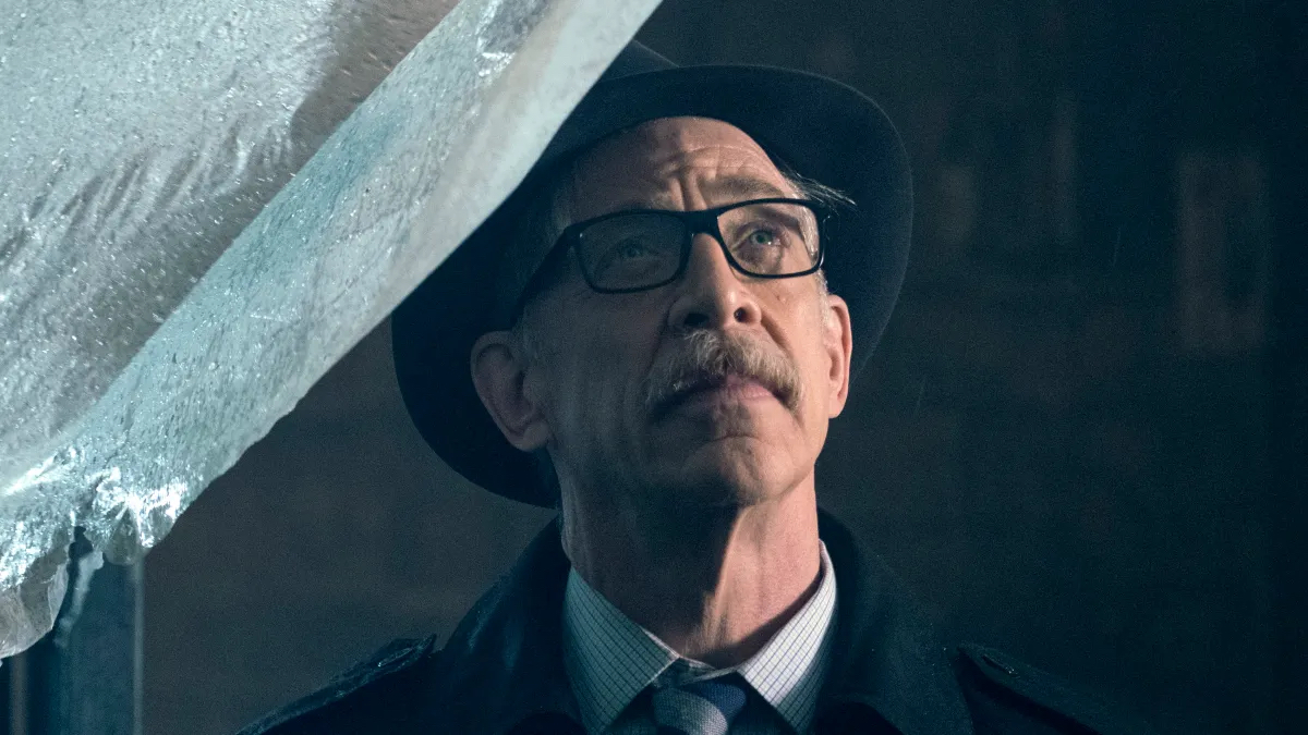 The Hollywood Reporter is exclusively reporting that J.K. Simmons is in negotiations with Warner Bros. to reprise the role of Commissioner Gordon for the upcoming DC film Batgirl.