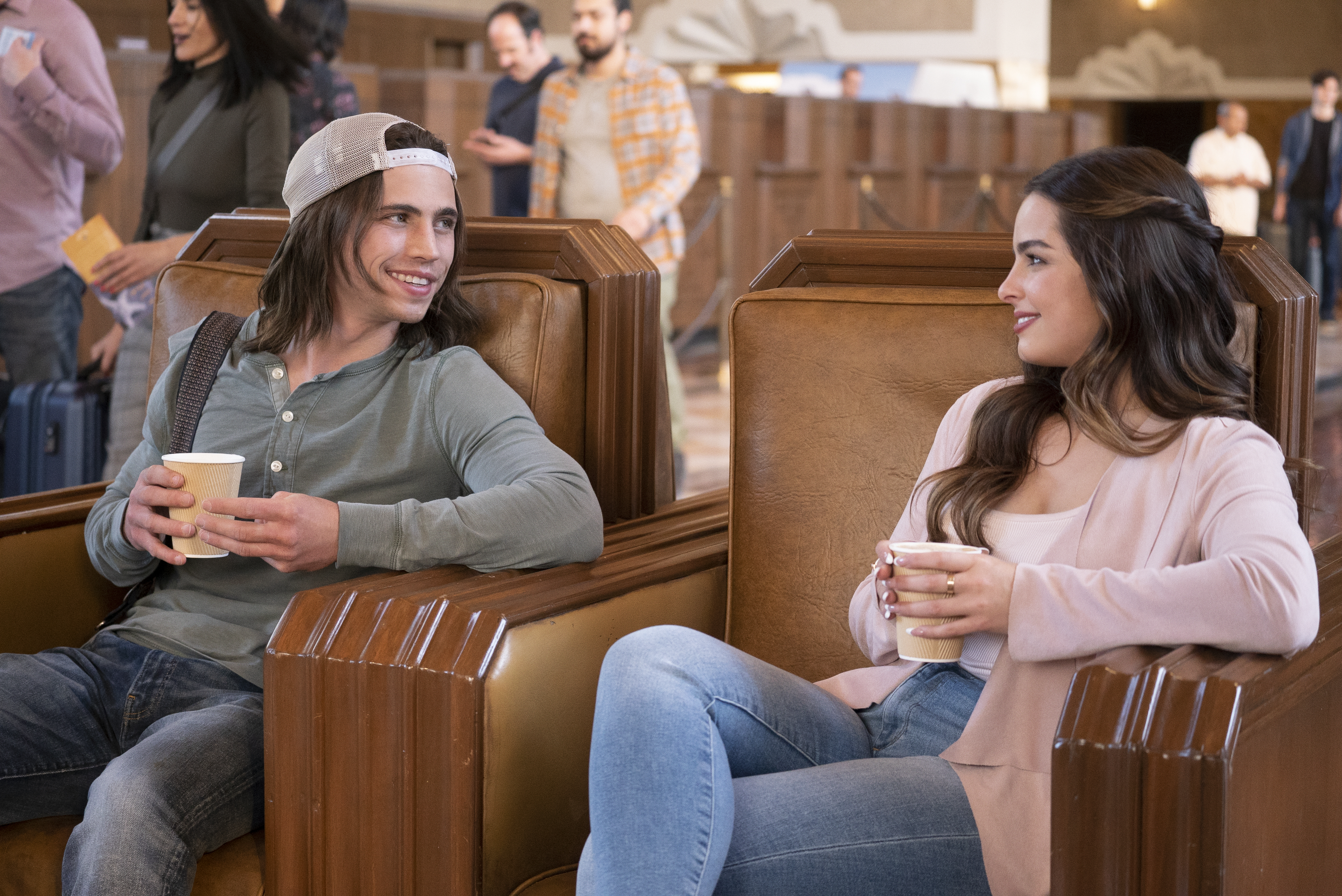 Netflix have released the official trailer for the upcoming romantic comedy He's All That, a reimagining of the teen comedy She's All That.