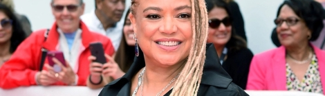 Deadline is exclusively reporting that Kasi Lemmons has been brought onboard to direct the Whitney Houston biopic I Wanna Dance With Somebody at TriStar Pictures, replacing Stella Meghie, who sources told the media outlet has departed the project due to creative differences, but will remain attached as an executive producer.