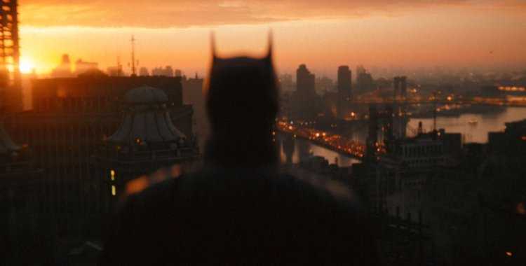 The official trailer for The Batman was presented at the end of DC FanDome tonight.